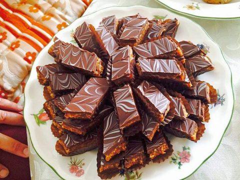 حلوى الرخامة بالفول السوداني والشوكولاتة